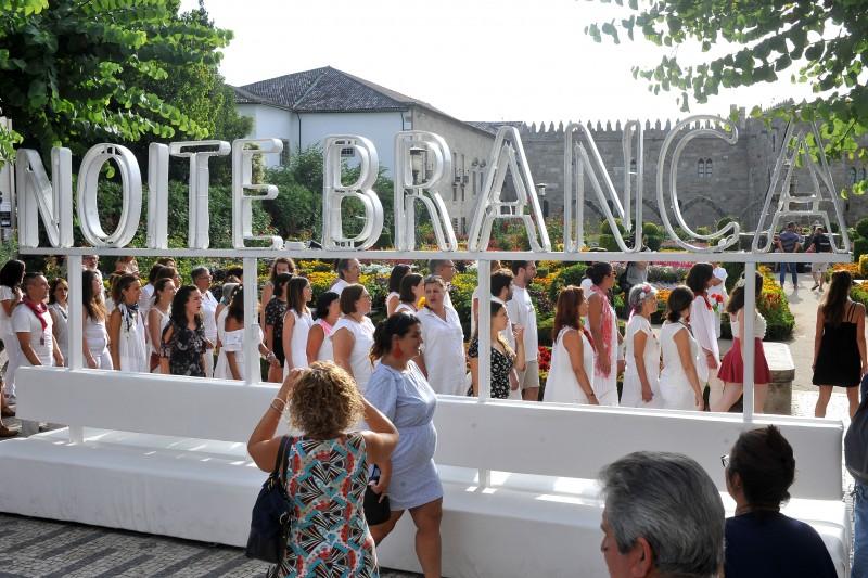 Noite Branca de Braga encerrou sob a batuta das 'Sopa de Pedra'