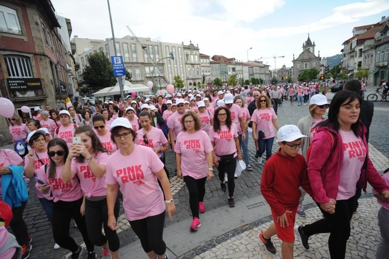 Pink Run coloriu o centro de Braga