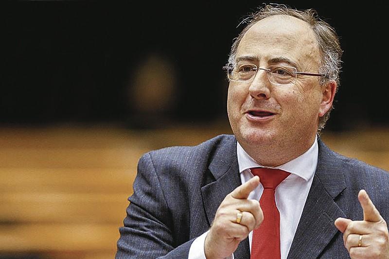 """Eurodeputado diz que é preciso """"salvar o maior número de empresas"""""""