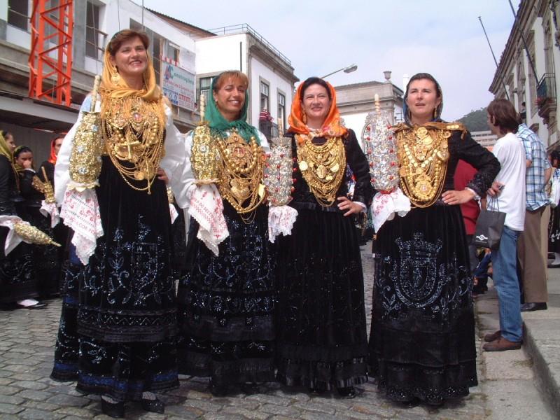 Viana: Plataforma digital abre  desfile da mordomia ao mundo