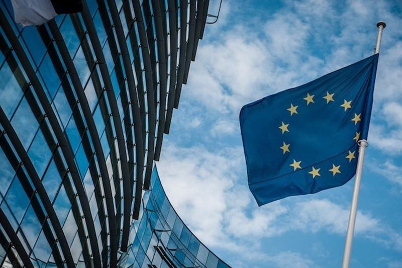 UE desbloqueia 3 mil milhões de euros para apoio às PME