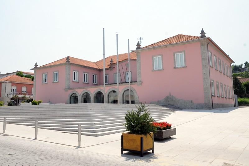 Câmara da Ponte da Barca apela ao fecho das escolas