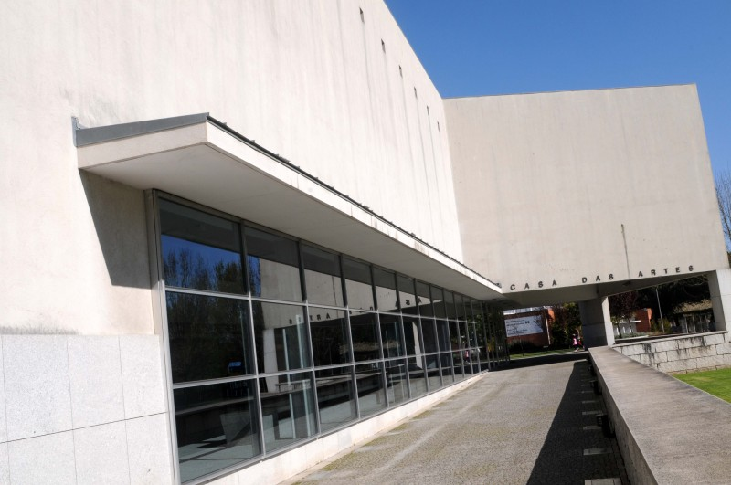 Teatro, cinema e novo circo na reabertura da Casa das Artes de Famalicão