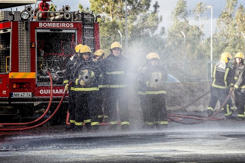 Incêndio fere casal e deixa casa inabitável