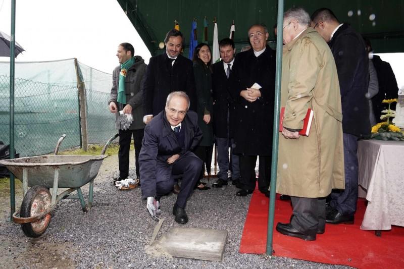 Domingos Bragança lança primeira pedra para a construção do Centro de Dia em Briteiros