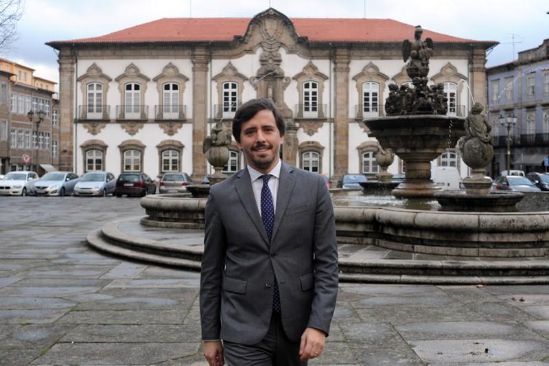 João Rodrigues: Há um novo capítulo de investimento nas vias municipais