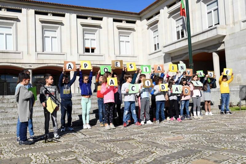 Vila Nova de Famalicão acalmou poesia e árvores na chegada da Primavera