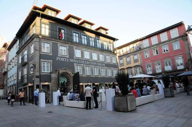 Porta Nova Collection House conjuga  alojamento, restaurante e esplanada