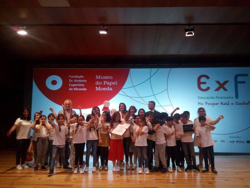 """Centro Escolar de Vila Verde sabe que """"No Poupar Está o Ganho"""""""