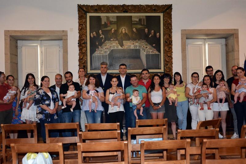 Município de Cabeceiras de Basto entregou apoios à natalidade