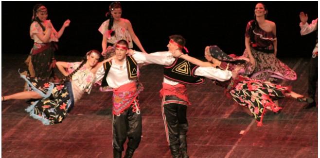 'Mundo a Dançar' no arranque das Festas do Concelho de Paredes de Coura