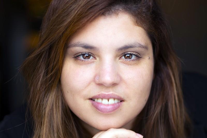 'A Casa das Janelas Amarelas' é o primeiro romance  da bracarense Ana Capa