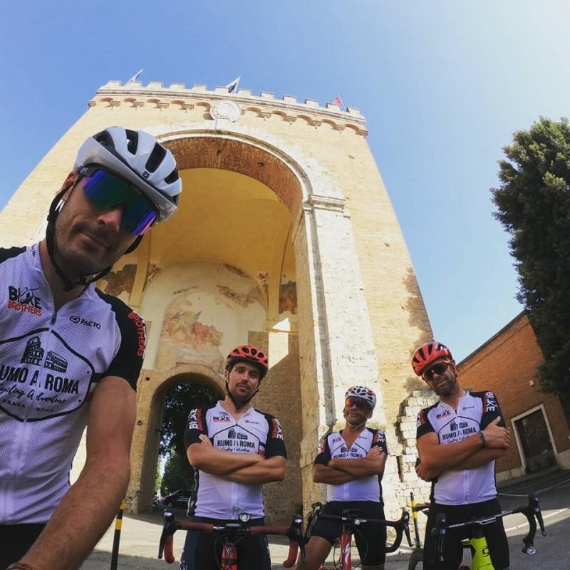"""Rumo A Roma - Cycling Adventure  """"conquistou"""" Vaticano em 17 dias"""