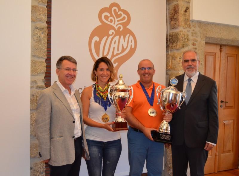 Bilharistas vianenses Henrique Correia e Vânia Franco recebidos na Câmara Municipal depois de se sagrarem campeões europeus