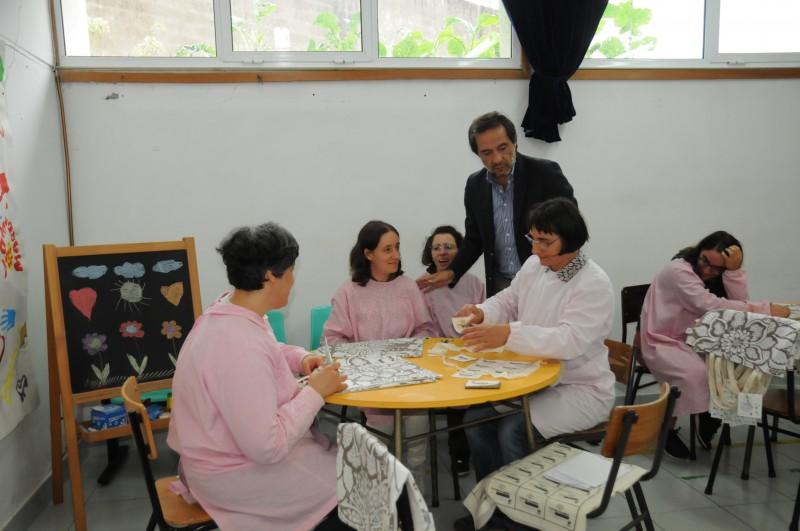 Utentes da I.R.I.S. dão nova  vida a desperdícios têxteis