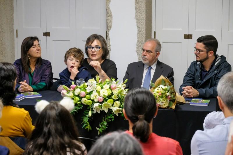 """Centro Interpretativo do Caminho Português da Costa acolheu lançamento do livro """"Passo a passo até Santiago"""""""