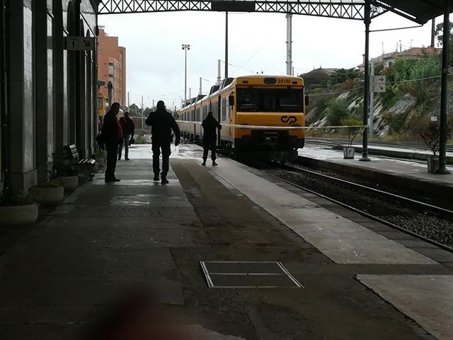 """Mochila """"suspeita"""" para comboio em Valença"""