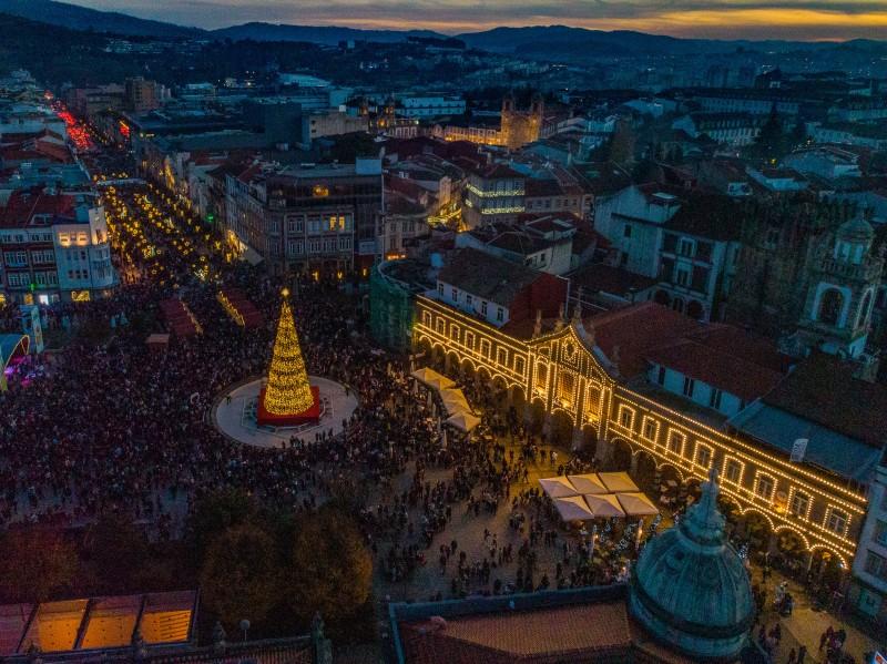 Iluminação de Natal em Braga acende-se dia 30 de Novembro