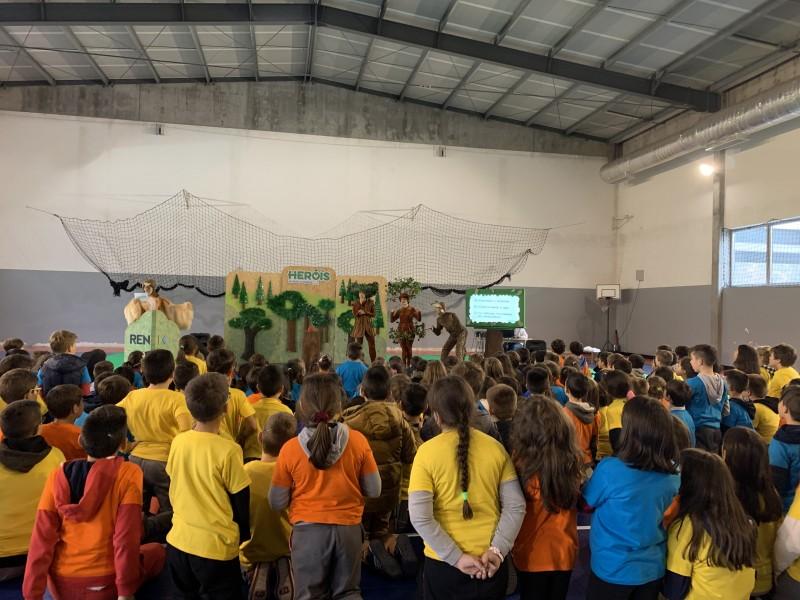 'Heróis de toda a espécie' sensibiliza mais de 400 alunos
