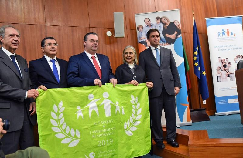 Município recebe bandeira verde  de autarquia familiarmente responsável