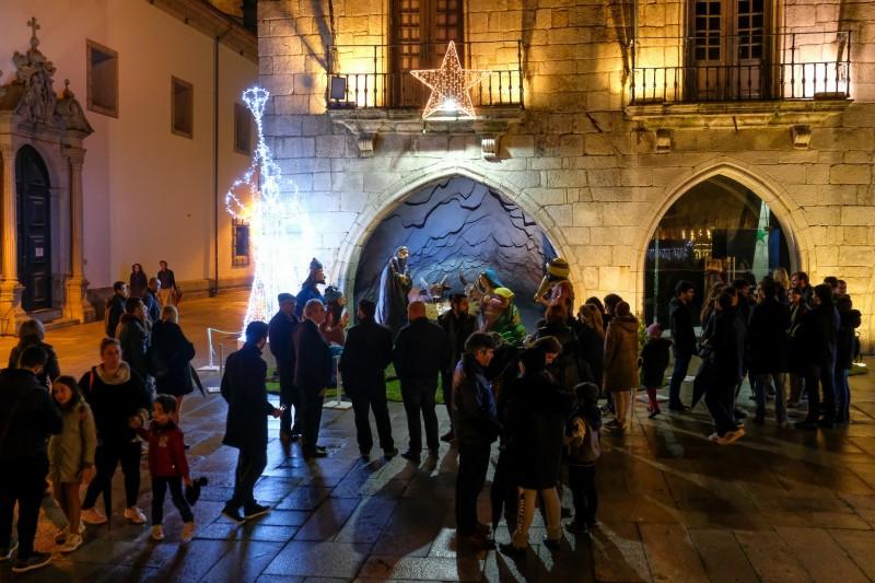 Praça Natal promove animação e dinamiza comércio tradicional no centro da cidade