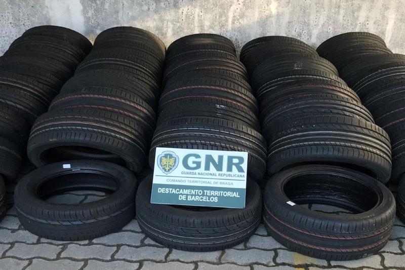 GNR apreende 46 pneus furtados em Famalicão