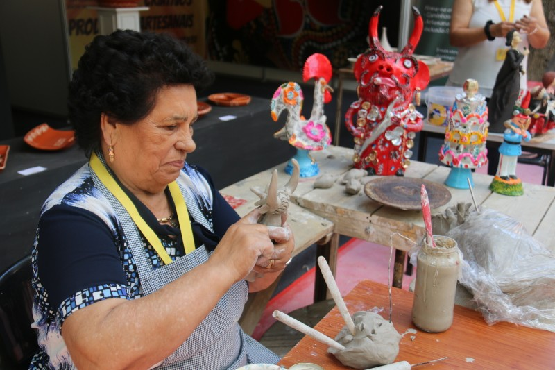 A artesã barcelense Júlia Côta é finalista da edição 2019  do Prémio Nacional do Artesanato
