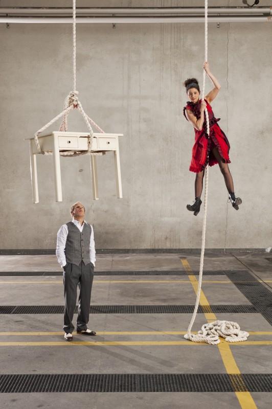 Zwai traz magia de Natal ao Theatro Circo