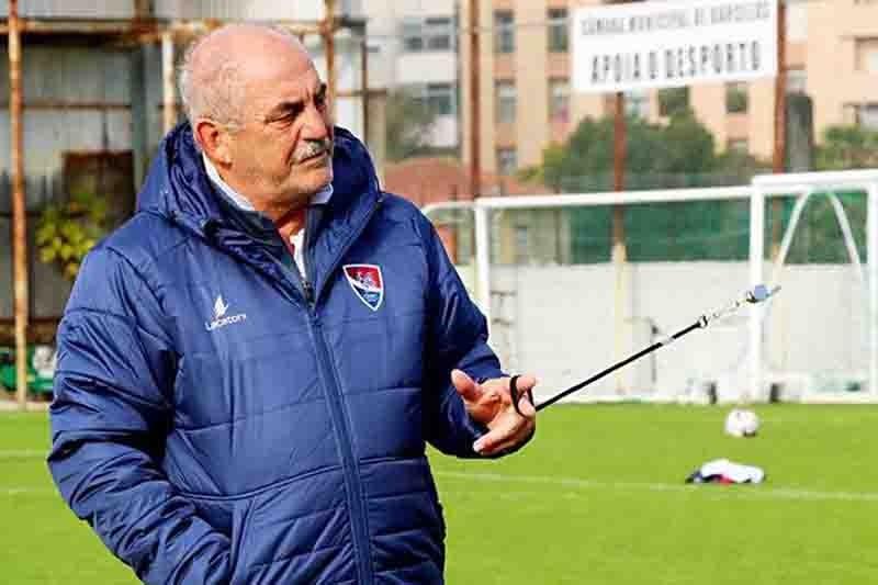 """Vítor Oliveira: """"tranquilos, mas conscientes daquilo que temos que fazer"""""""