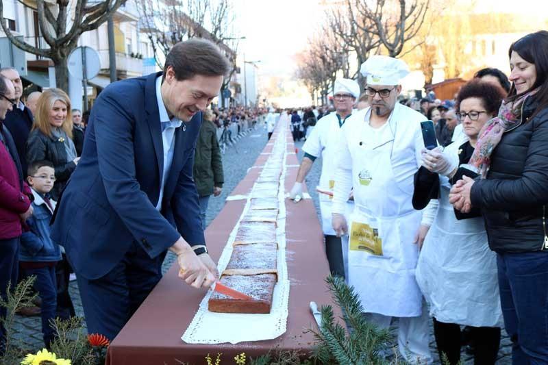 Maior bolo de mel do país é de Ponte da Barca