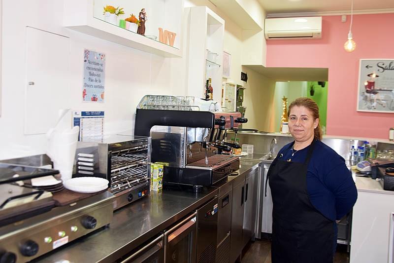 MV Coffee serve torradas especiais e pratos do dia super apetitosos