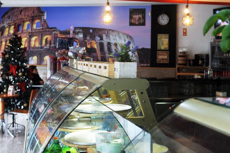 Coliseu Pizzaria faz 'as delícias' dos clientes com pizzas feitas na hora