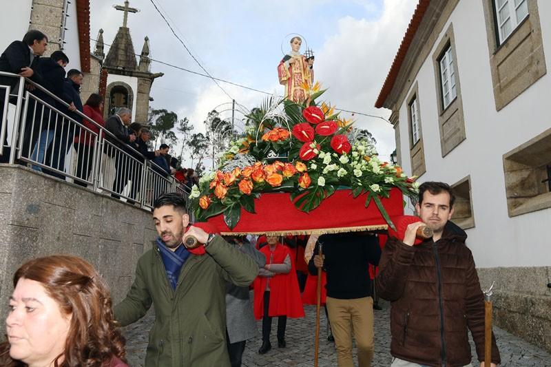 Povo 'em peso' venera São Vicente