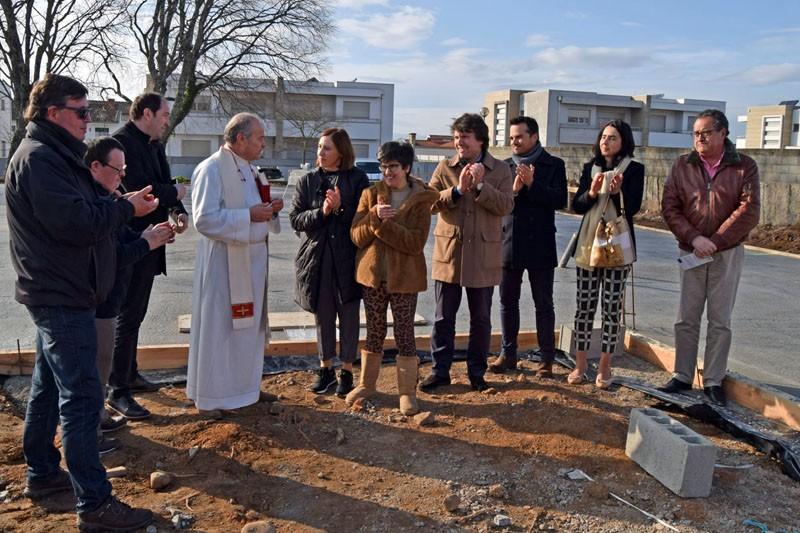 Primeira pedra do CAO de Monção lançada pela APPACDM e câmara