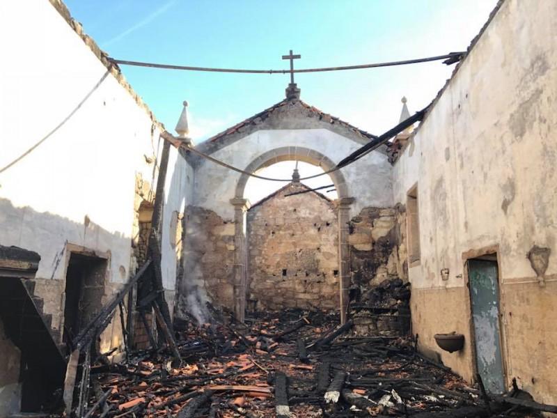 Ponte da Barca: Reconstrução de igreja exige arqueólogos