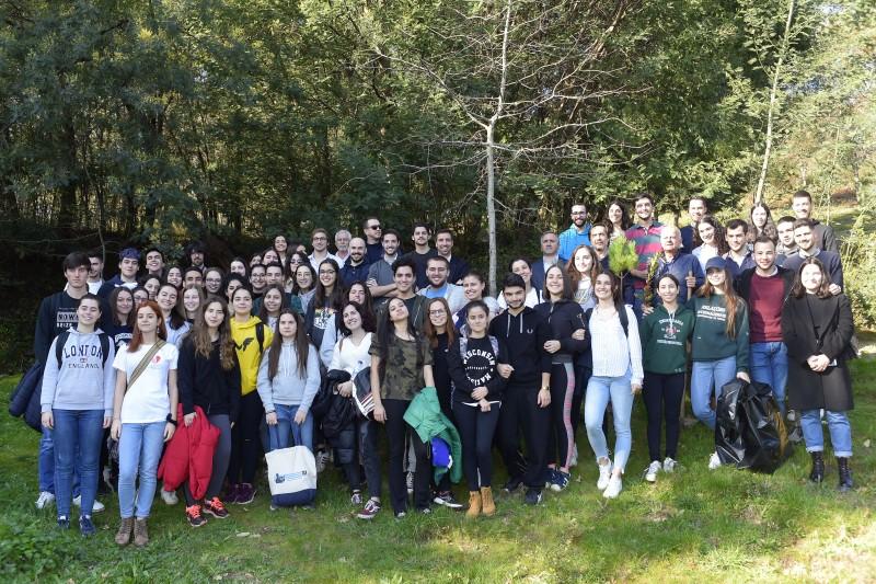 UMinho plantou 450 árvores para mitigar pegada do Campeonato Europeu de Futsal