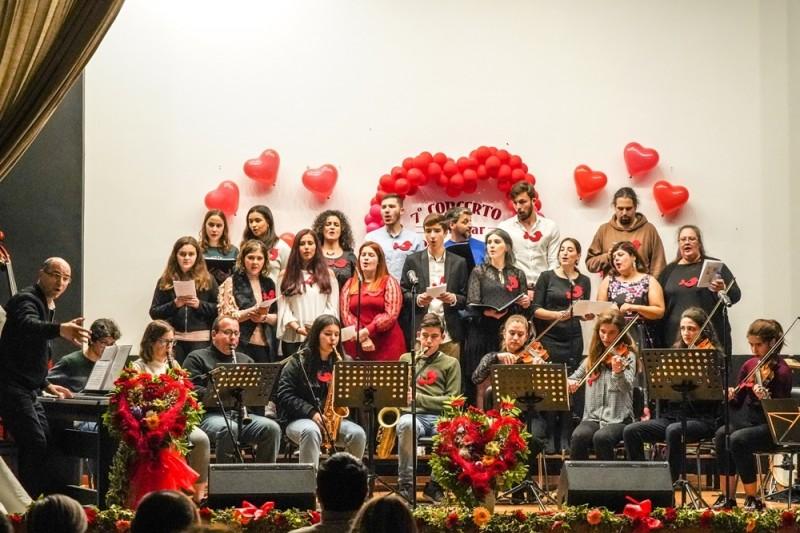 As melodias do amor ecoaram no concerto da Escola de Música da Vila de Prado