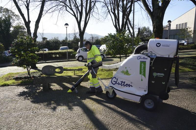Município entregou aspiradores urbanos elétricos a quatro vilas de Guimarães