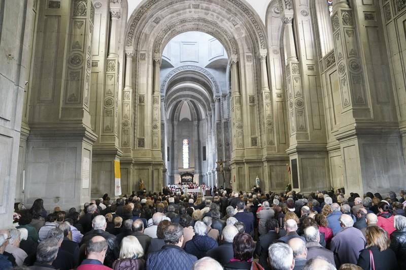 """Basílica de S. Torcato """"é um sonho de séculos tornado realidade"""""""