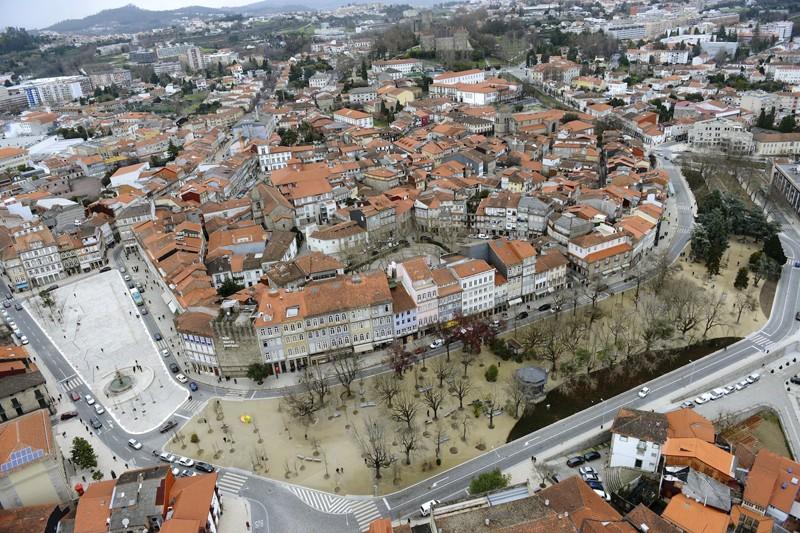 Guimarães sem trânsito no centro da cidade aos fins-de-semana