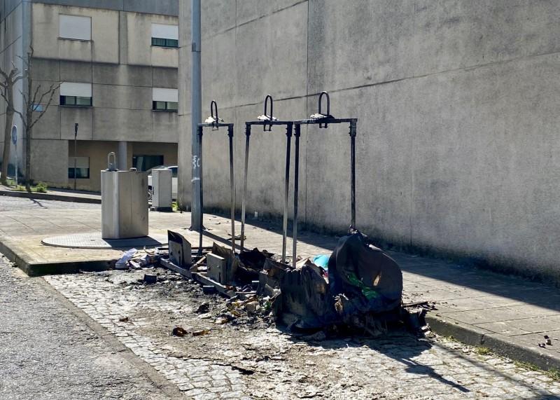 Câmara apresenta queixa por incêndio de ecopontos - moldura penal pode ir até 5 anos de prisão