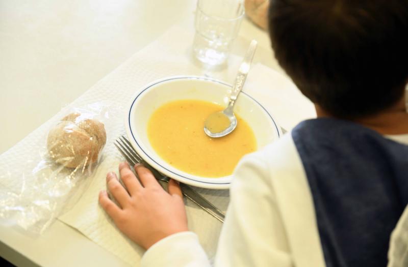 Famalicão: reuniões à porta fechada, transportes, parquímetros e refeições