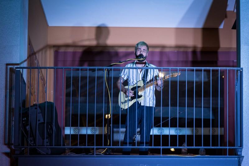 Festival 'Varandas em Casa' anima  a cidade com música, poesia e teatro