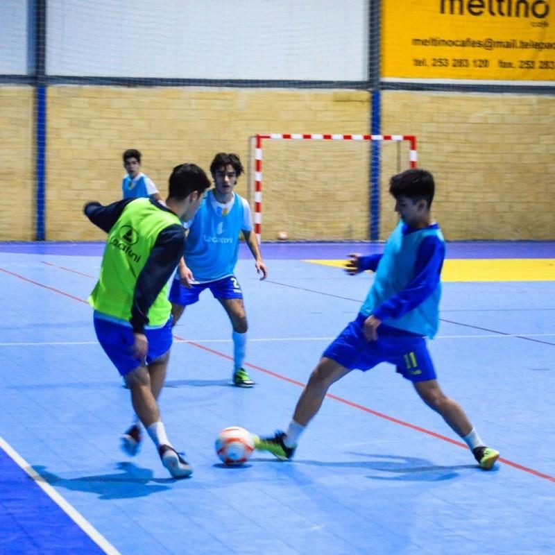 Clubes de futsal lamentam mas aceitam decisão do fecho da época na formação
