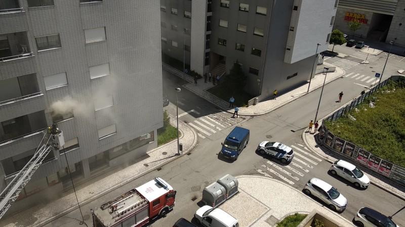 Braga: Três feridos por inalação de fumo