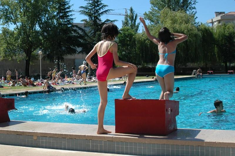 Piscinas municipais deverão abrir época balnear a 1 de Julho