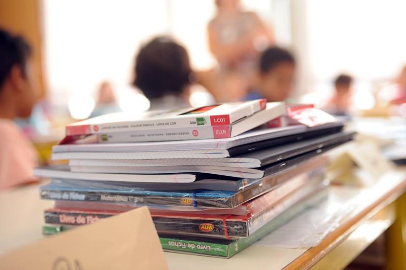 Biblioteca Lúcio Craveiro da Silva tem 1.751 manuais escolares para emprestar