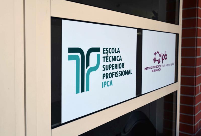 Mais de 600 vagas em formação profissional superior e especialização tecnológica