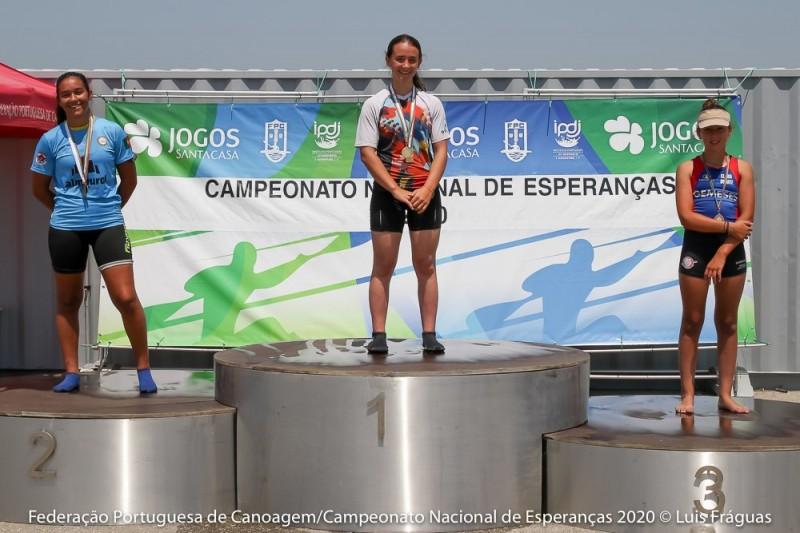 Maria Enes, da Darque Kayak Clube é campeã nacional de Esperanças k1 Infantil.