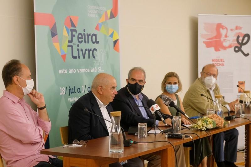 Vencedor da primeira edição do Prémio Literário Luís Miguel Rocha distinguido na Feira do Livro de Viana do Castelo